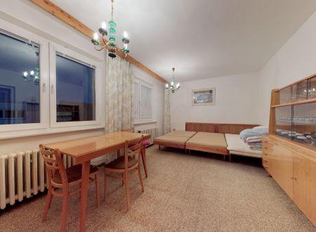 Rodinný dom /ul. Komenského, 6 izbový, garáž/ Piešťany