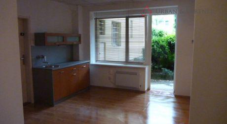 Prenájom 1 izbového bytu - ateliéru na Šulekovej ulici v centre