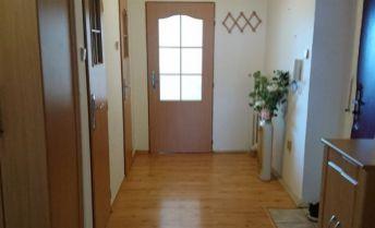 3 izbový byt s dvoma balkónmi, garážou na predaj Žilina-Bôrik