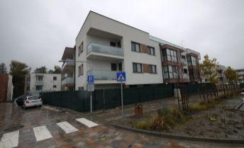 4-izbový byt s klimatizáciou 140 m² plus terasa 160 m², projekt Greenvia, Záhorská Bystrica, možnosť 2 parkingov