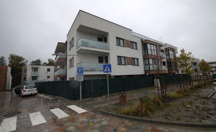 4-izbový byt s klimatizáciou 140 m² plus terasa 160 m², projekt Greenvia, Záhorská Bystrica, 2 parkingy
