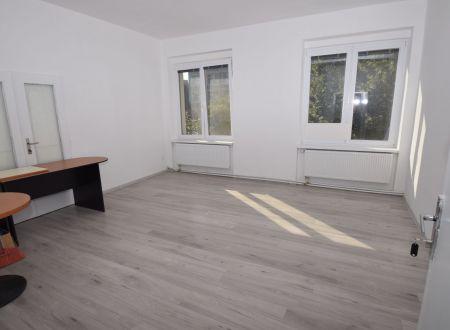 Kancelárske priestory  23m2, Piešťany