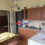 3 izb. byt na začiatku Dlhých dielov, Janotova ul. 86 m2, 1/3,  2 loggie