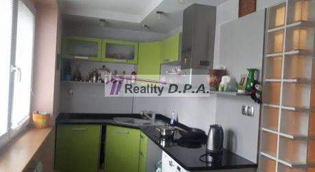 EXKLUZÍVNE Na prenájom- luxusný 1 izbový byt Centrum s loggiou