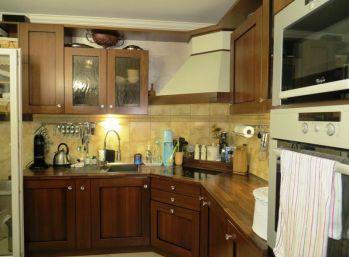 Predáme nadštandardný 3 izbový byt v príjemnom prostredí v Petržalke na Bzovíckej ulici