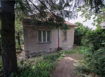 REZERVOVANÝ - Predáme 4 izbový rodinný dom vo vyhľadávanej lokalite v Starom Meste pri Horskom parku.