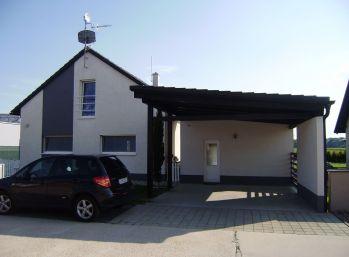 Predáme pekný moderne vybavený 5 izbový rodinný dom v novej časti v Kráľovej pri Senci.