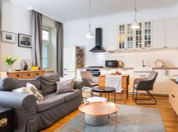 Predaj exkluzívneho veľkometrážneho 4.izb bytu v staromeskom štýle v Nitre v úplnom centre