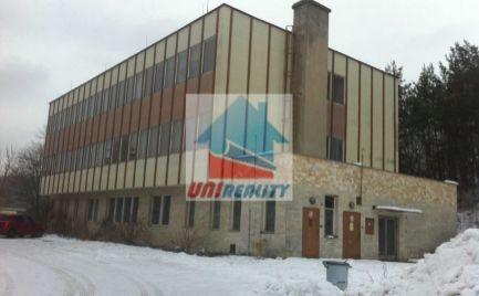 BN - UHROVEC - administratívna budova na predaj