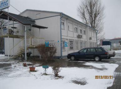 Predáme univerzálny areál,vhodný pre dopravné,opravárenské,administratívnoskladové priestory-Domkarská ul.