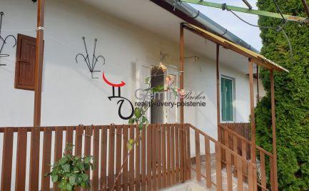 GEMINIBROKER Vám ponúka útulný dvojizbový dom v obci Nyíri v tichej uličke