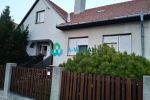 Pekný, jednoposchodový 6-izbový RD s garážou, podpivničený na predaj v obci Michal na Ostrove! Cena 153 000 €