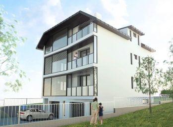 Nadštandardný 4 izbový byt vo viladome v Rači s krásnym výhľadom na predaj.