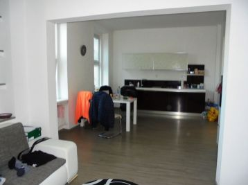 2-i byt, 74 m2 – TEHLA,  kompletná rekonštrukcia, VLASTNÉ KÚRENIE, centrum mesta