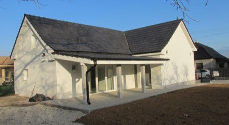 Kompletne zrekonštruovaný rodinný dom v Tesárskych Mlyňanoch