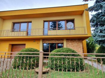 ELIMARK - PRENÁJOM - 5 izb ZARIADENÝ DOM 200 m2 so záhradou  a garážou - Ružová ulica, NITRA - ZOBOR