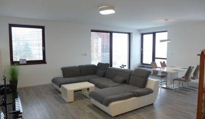 Prenájom 4 izbový byt v Bratislave I s terasou balkónom 2 wc s parkovaním