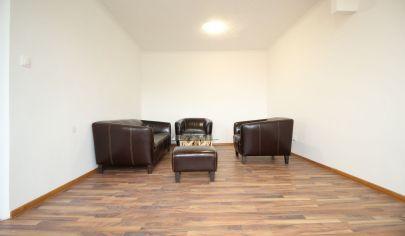 SORTier s.r.o. PREDAJ pekného kompletne rekonštruovaného bytu v pokojnej časti v dedinke Sološnica.
