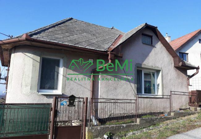 Znížená cena - Na predaj rodinný dom v obci Žehňa (016-12-JAB)