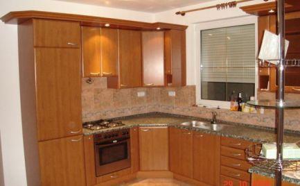Ponúkame na prenájom čiastočne zariadený 5i rodinný dom na Hydinárskej ulici, BA II., Podunajské Biskupice.