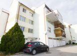 Na predaj pekný priestranný 4 izb.byt - vlastné kúrenie, na Kováčskej ul. v obci Zohor