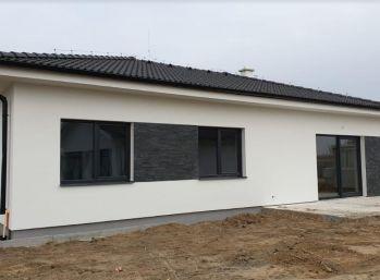 NOVOSTAVBA 4 izb. bungalovu na 494 m2 pozemku - Slovenský Grob, Okružná