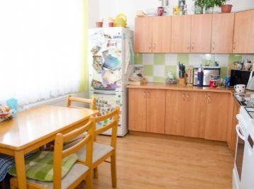 Priestanný 3 izb. byt v centre - Pezinok 72 m2