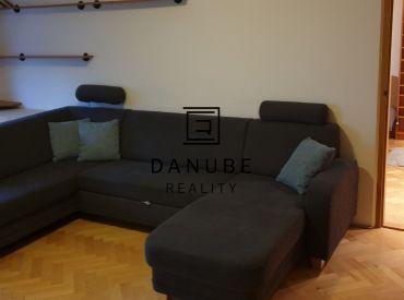 Prenájom 3 - izbového bytu na Komárnickej ulici, Bratislava - Ružinov.