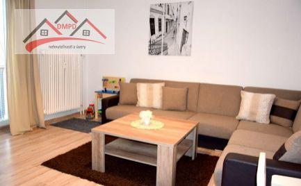 REZERVOVANÝ !!! DMPD real Vám ponúka na predaj nádherný  veľkometrážny  2-izbový byt v širšom centre mesta Nováky.