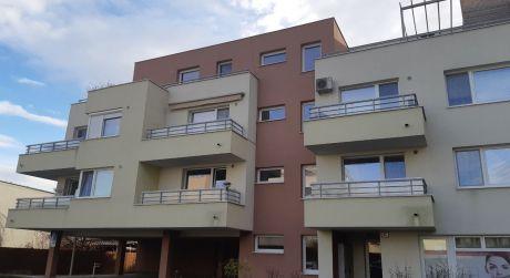 Kuchárek-real: Ponuka 2 izbového bytu s garážovým statim v novostavbe, Rovinka.