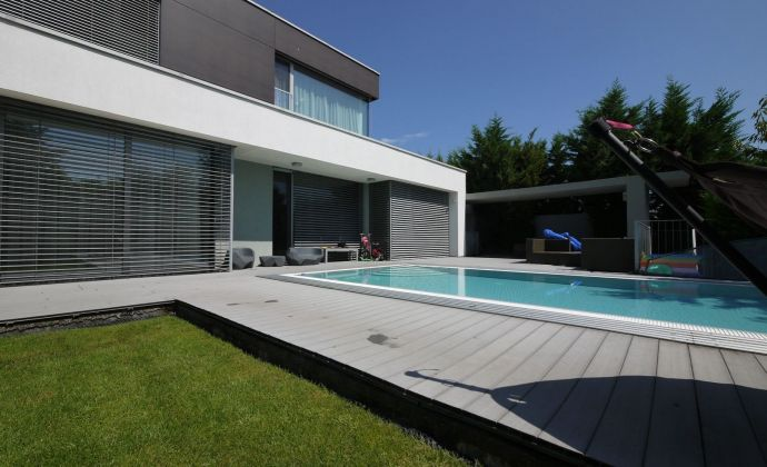 Luxusný 6-izbový RD s bazénom Staré Grunty
