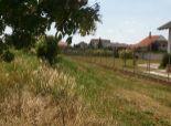 Pozemok na stavbu RD v obci Kalinkovo - možnosť výstavby 3-4 domov