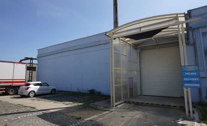 Skladové priestory 1500 m² s klimatizáciou na lieky, potraviny, elektroniku, od 06/2022.