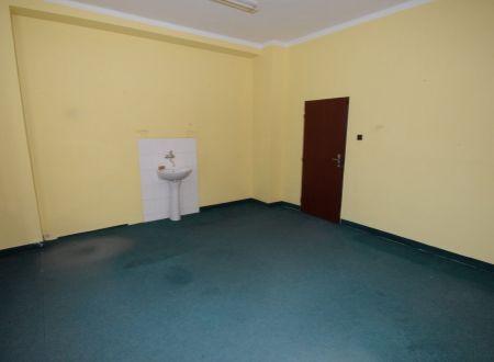 Prenájom komerčný / kancelársky priestor, 22 m2, centrum Piešťan