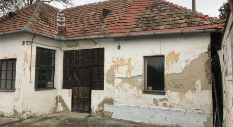 PREDAJ - Rodinný dom so skladovými priestormi vhodný na podnikanie aj bývanie, IŽA