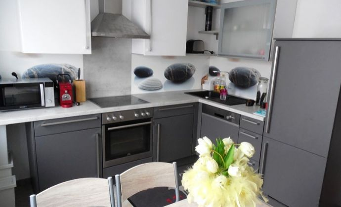 Svetlý a priestranný 2izb. byt, 60 m2 v obci Pama - Rakúsko na prenájom