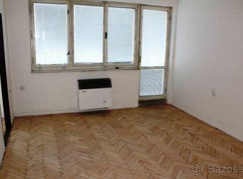 3-i byt 70 m2, BALKÓN pôvodný stav v obci VIDINÁ- PREDANÉ