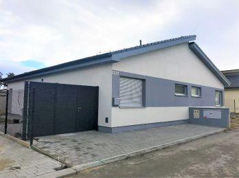 ***NOVOSTAVBA: Nový 3 izbový byt osadený v rodinom dvojdome s pozemkom v novej lokalite/ Píniová Alej pri Malackách!!