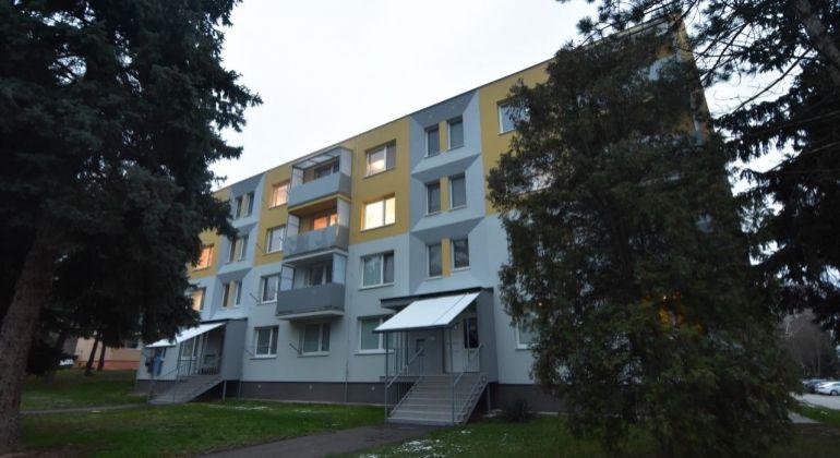 EXKLUZÍVNE iba u nás predaj 2,5 izbový byt v Bánovciach nad Bebravou/ ul. Hollého