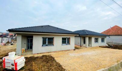 Exkluzívne APEX reality 4i. novostavba RD v Sasinkovo, pozemok 500 m2, rekuperácia, úžitková plocha 95 m2