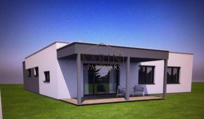 Novostavba rodinného domu v Hrubej Borši s garážou blízkosti golfového areálu