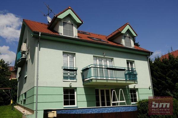 Rodinný dom-Prenájom-Bratislava - mestská časť Nové Mesto-2900.00 €
