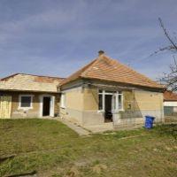 Rodinný dom, Dulovce, 150 m², Čiastočná rekonštrukcia
