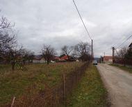Na predaj pozemok na rodinný dom 1189 m2 Čereňany 79103