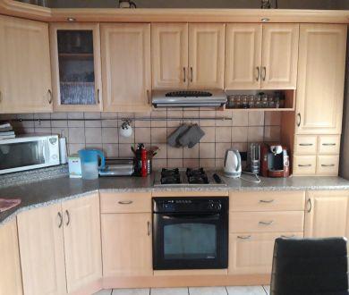 Ponúkame na predaj veľmi pekný a priestranný 2 izbový byt v Dubnici nad Váhom.
