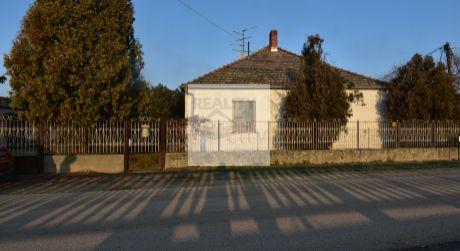 3 - izbový krásny rodinný dom 90m2, pozemok 600 m2 -  Dunakiliti