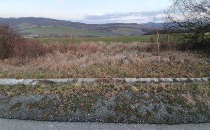 Predám pozemok v Holčíkovciach