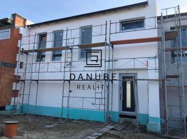 Predaj novostavby rodinného domu v Senci na Morušovej ulici.