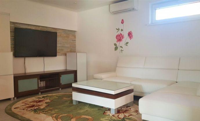 Moderný 7-izbový rodinný dom, zimná záhrada, 3x garáž, tiché prostredie, Tureň