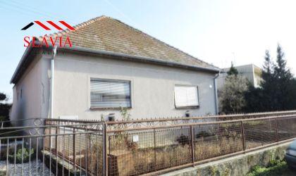 EXKLUZÍVNE - 4 izbový rodinný dom Nemčice, okres Topoľčany na predaj